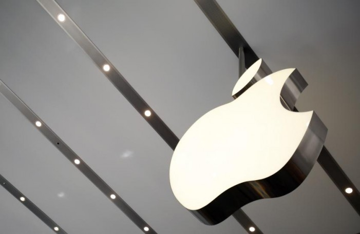 Australia: Apple's fight with big banks gets nastier
