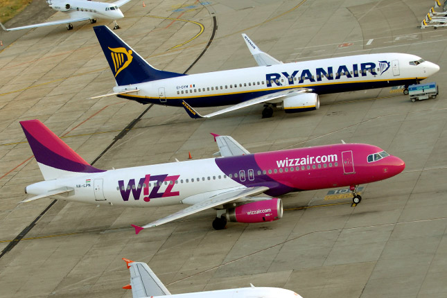 Italy: Regulator opens probe into Ryanair's, Wizz Air's hand luggage policies