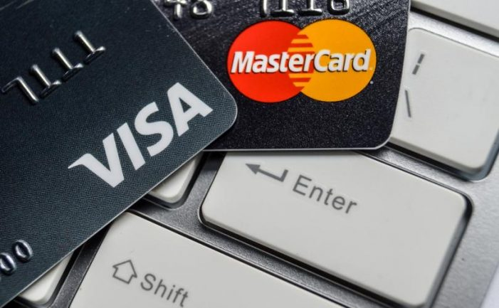 EU: Visa, Mastercard propose tourist card fee cut