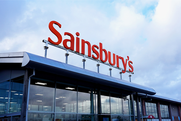 UK: Sainsbury's and Asda challenge CMA over merger probe