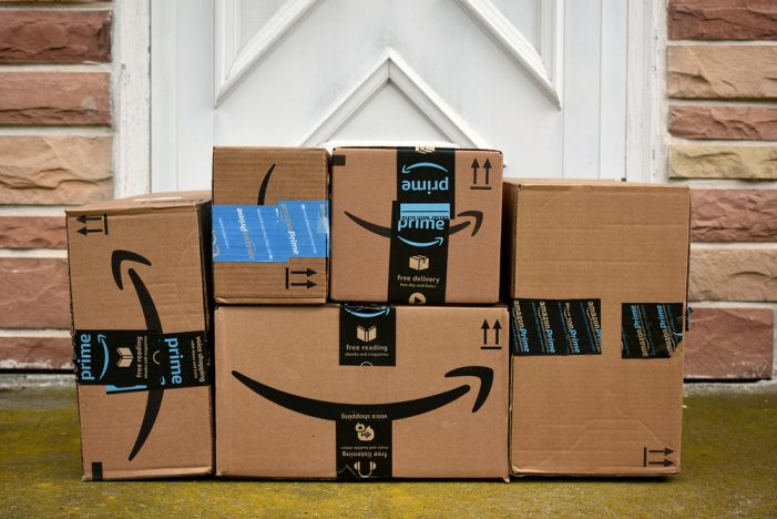 US: Amazon delivery causes USPS shipments to decline